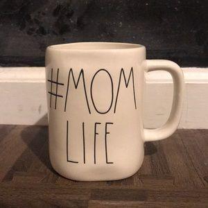 Rae Dunn # MOM LIFE mug🖤